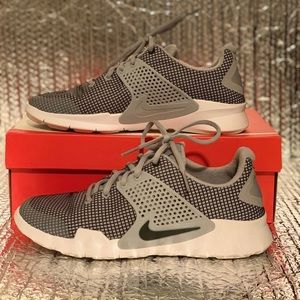 PRE-OWNED Nike Arrowz SE Wolf Grey/Anthracite